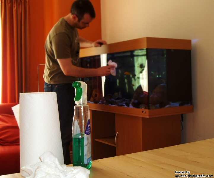 Aquarium van buiten schoonmaken
